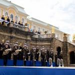 Адмиралтейский оркестр на открытии фонтанов в Петергофе 1