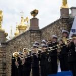 Адмиралтейский оркестр на открытии фонтанов в Петергофе