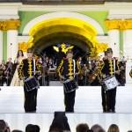 «Классика на Дворцовой» 2016, дефиле барабанщиков Адмиралтейского оркестра в исторической форме